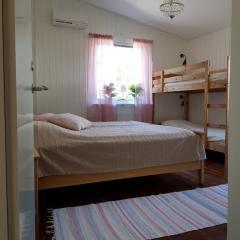 vare4_varberg_boende_interior-sovrum2