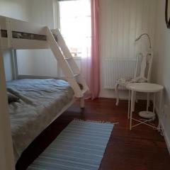 vare4_varberg_boende_interior-sovrum3
